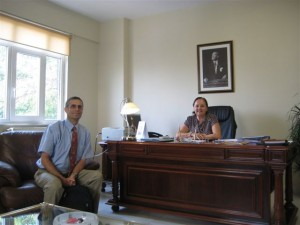 Following the lecture, Dr. Kupietzky meets with the Dean of the Dental School in Istanbul